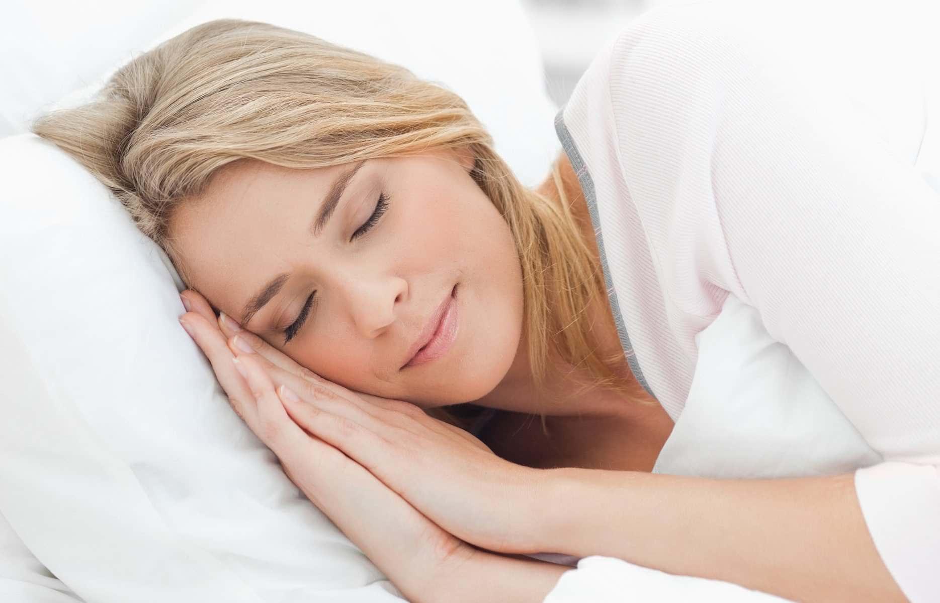 iyi bir cilt için nasıl uyumalısınız